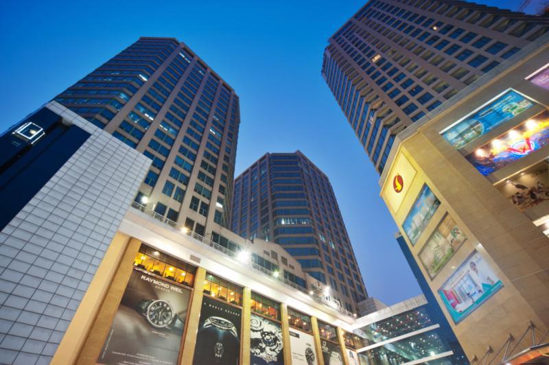 Địa điểm được Zara chọn mở cửa hàng đầu tiên tại Hà Nội là trung tâm thương mại Vincom Bà Triệu.