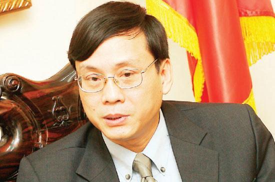 """TS.Vũ Bằng: """"Không chỉ Bộ Tài chính ép mà ngay cả ban lãnh đạo chúng tôi cũng ép Vụ Quản lý kinh doanh phải giảm bớt số lượng công ty chứng khoán"""" - Ảnh: Việt Tuấn."""