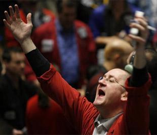Chứng khoán Mỹ đã tăng điểm mạnh, đưa các chỉ số có ba ngày giao dịch thành công liên tiếp - Ảnh: Reuters.