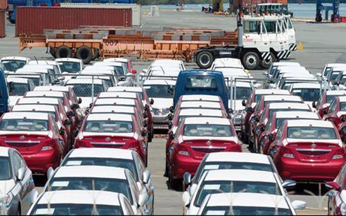 Thuế suất thuế nhập khẩu ôtô nguyên chiếc (CBU) có tỷ lệ nội địa hóa đạt trên 40% từ các nước nội khối sẽ giảm về 0% kể từ 1/1/2018. <br>
