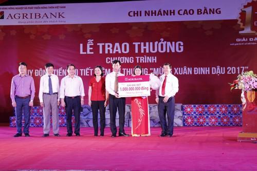 Khách hàng Mã Thị Nhi (trú tại thành phố Cao Bằng, tỉnh Cao Bằng) gửi  tiền tại Agribank Cao Bằng đã là khách hàng may mắn trúng thưởng giải  Đặc biệt thứ Nhất trị giá 1 tỷ đồng.