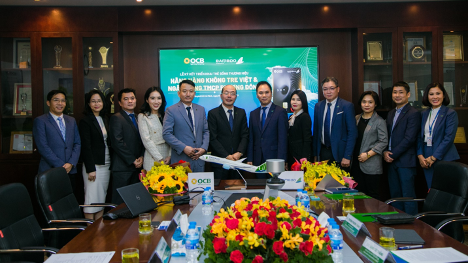 Đại diện Ban lãnh đạo OCB và Bamboo Airways tham dự lễ ký kết.