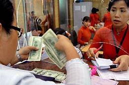 Không đưa ra con số cụ thể nhưng Ngân hàng Nhà nước cho biết hiện trạng thái ngoại tệ của các ngân hàng thương mại dương rất lớn.