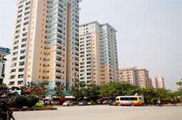 Sức ép từ hàng trăm dự án nhà ở, khu đô thị mới đã được phê duyệt quy hoạch, đã triển khai xây dựng và sẽ hoàn thành trong năm 2010, cũng như các dự án nhà ở giá rẻ của Chính phủ… cũng sẽ khiến việc kinh doanh căn hộ chung cư không còn thuận lợi như trước.