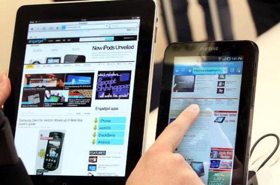 Phần thắng trong cuộc chiến máy tính bảng giữa Apple và Samsung đang có phần nghiêng về hãng điện tử Hàn Quốc.