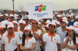 Hợp đồng này bảo hiểm cho gần 12.000 cán bộ nhân viên của Tập đoàn FPT.