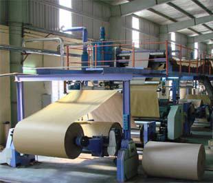 """Theo nhận định của các nhà sản xuất giấy, nguyên nhân chính dẫn đến tình trạng khan hiếm giấy hiện nay là do """"cầu vượt cung""""."""