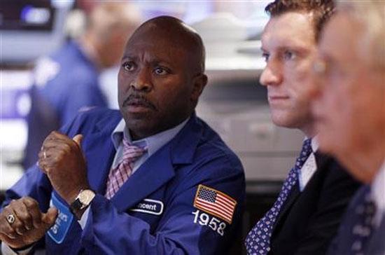 Nỗi lo sợ tiếp tục bủa vây các nhà đầu tư trên thị trường chứng khoán - Ảnh: Reuters.
