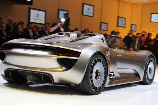 Porsche 918 Spyder concept tạo được sự chú ý lớn khi xuất hiện tại triển lãm ôtô Geneva 2010 - Ảnh: Autoblog.