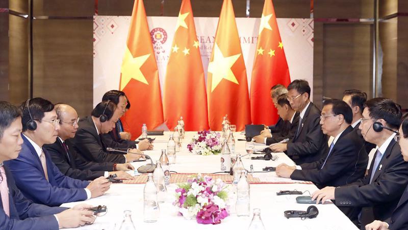 Thủ tướng Nguyễn Xuân Phúc gặp Thủ tướng Quốc vụ viện Trung Quốc Lý Khắc Cường - Ảnh: VGP