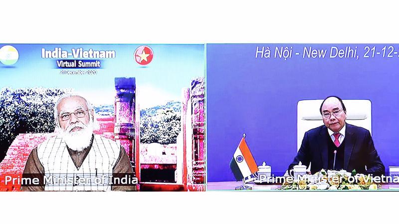 Thủ tướng Nguyễn Xuân Phúc và Thủ tướng Ấn Độ Narendra Modi tại hội đàm trực tuyến chiều 21/12 - Ảnh: Bộ Ngoại giao
