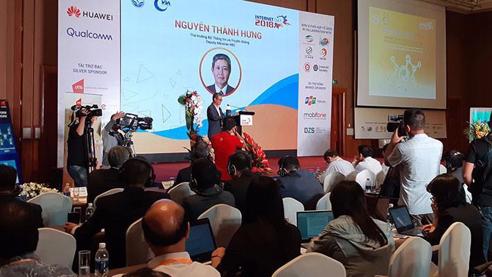 """Thứ trưởng Nguyễn Thành Hưng phát biểu tại tại Hội thảo và Triển lãm Ngày Internet Việt Nam - Internet Day 2018 chủ đề """"Internet và Hệ sinh thái số Việt Nam""""."""