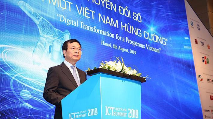 Bộ trưởng Bộ Thông tin và Truyền thông Nguyễn Mạnh Hùng phát biểu tại Vietnam ICT Summit 2019 sáng 8/8.