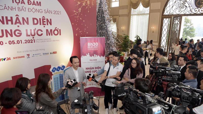 Ông Trịnh Văn Quyết, Chủ tịch FLC trả lời phỏng vấn bên lề Tọa đàm bất động sản ngày 5/1 tại Vĩnh Phúc.