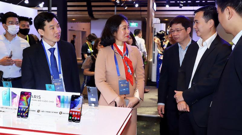 Sự kiện Tech Awards 2020 thu hút đông đảo thương hiệu lớn trong lĩnh vực công nghệ cùng tham gia trưng bày sản phẩm.