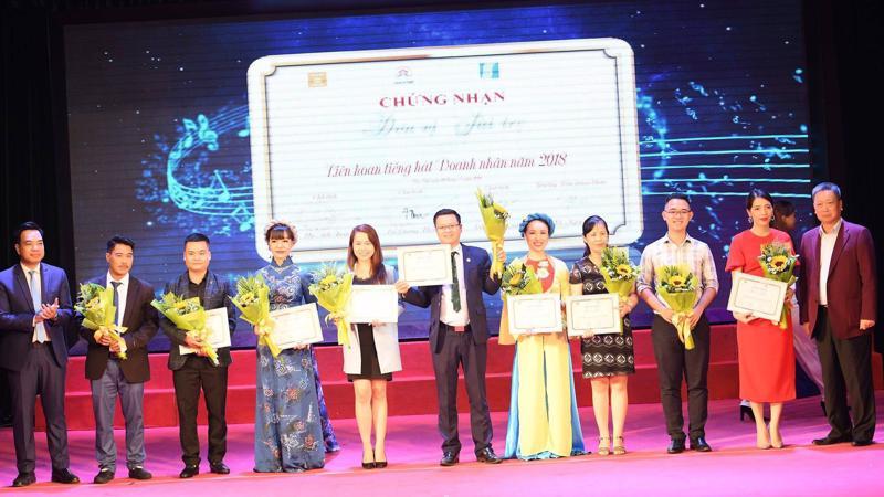 16 tiết mục được biểu diễn đã tạo nên một chương trình Liên hoan tiếng hát Doanh nhân năm 2018 thành công.