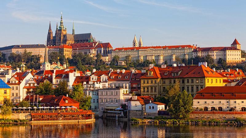 Thủ đô Praha - CH Séc còn sở hữu những kiến trúc, lâu đài đậm chất cổ điển.