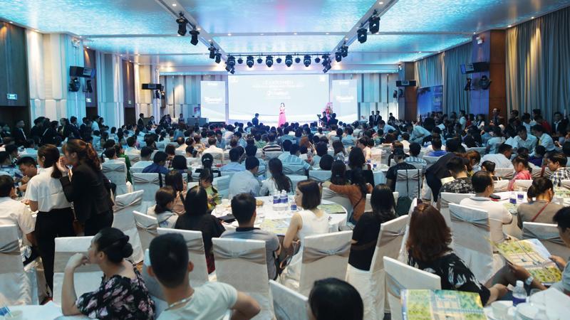 Lễ giới thiệu phân khu Moonlight Parkway thuộc dự án Sentosa Riverside 2 thu hút hơn 500 khách hàng tham dự vào sáng ngày 3/6/2018 tại New Orient Hotel Danang.