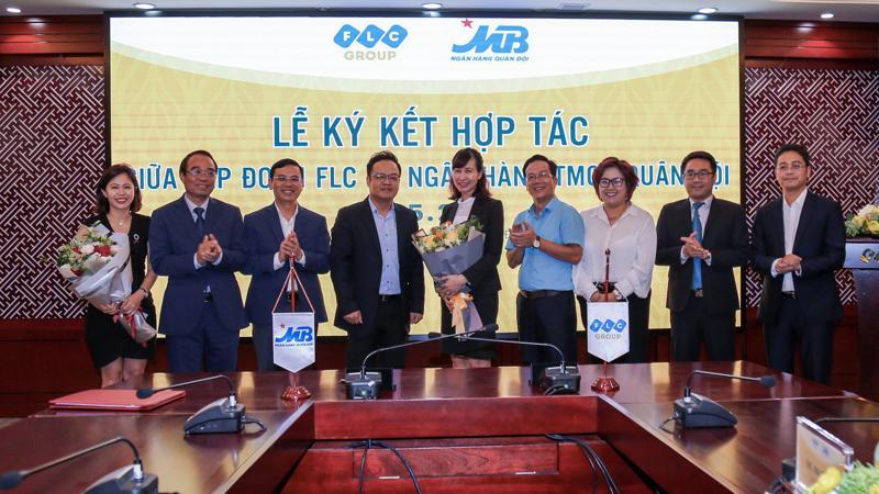 Lễ ký kết hợp tác giữa Tập đoàn FLC và Ngân hàng Thương mại Cổ phần Quân đội nhằm phát triển chương trình ưu đãi tín dụng dành riêng cho khách hàng dự án FLC Tropical City Ha Long.
