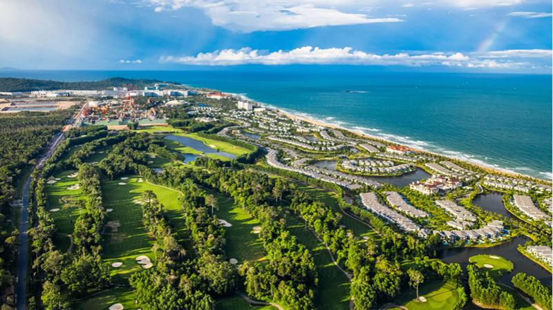 Du lịch hướng biển, trải nghiệm thiên nhiên đang là lựa chọn hàng đầu của du khách Việt.