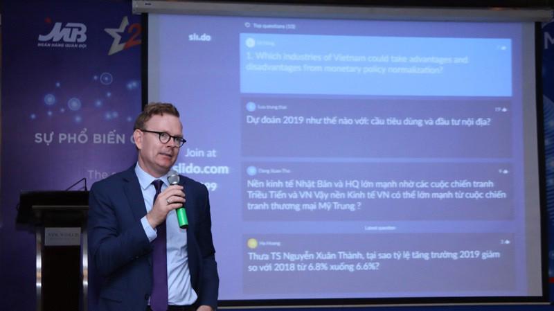 """""""MB Economic Insights"""" đã trở thành diễn đàn chuyên môn về kinh tế mang tầm đẳng cấp quốc tế, góp phần hỗ trợ doanh nghiệp tại Việt Nam nâng cao năng lực quản trị kinh doanh và tài chính."""