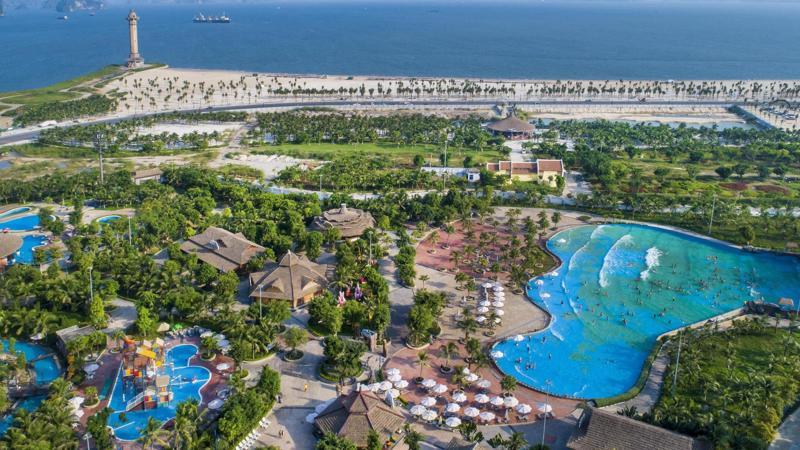 Du lịch Hạ Long tăng trưởng mạnh sau khi tổ hợp vui chơi giải trí Sun World Halong Complex đi vào hoạt động.