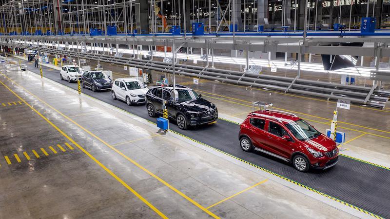 Viện Công nghệ ô tô 2 quy tụ hàng trăm chuyên gia, kỹ sư chất lượng cao đến từ các tập đoàn ô tô hàng đầu thế giới.