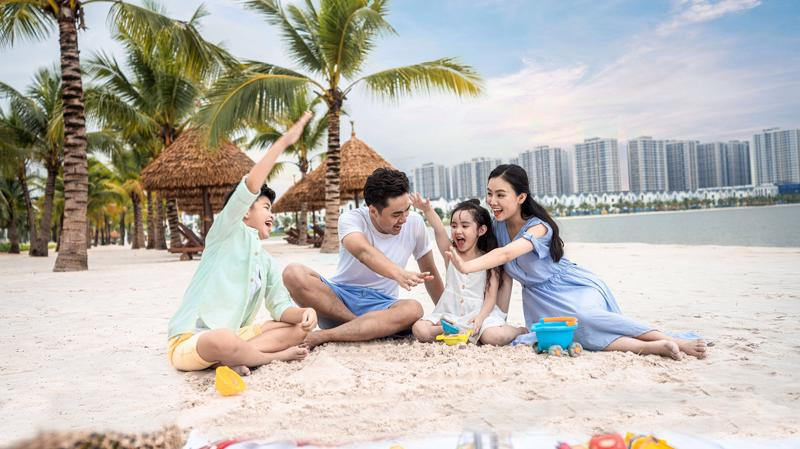 Chính sách sở hữu dễ dàng căn hộ Vinhomes Ocean Park chỉ từ 225 triệu đồng hiện đang thu hút một lượng lớn các gia đình trẻ gia nhập cộng đồng cư dân thành phố biển hồ.