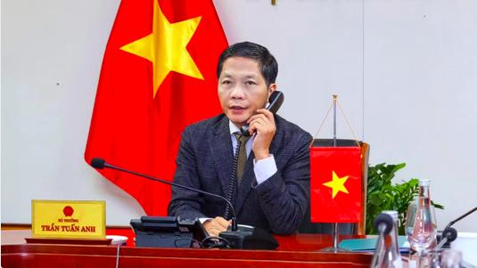 Bộ trưởng Trần Tuấn Anh điện đàm với Trưởng đại diện Thương mại Mỹ (USTR) Robert Lighthizer để trao đổi về các vấn đề kinh tế, thương mại song phương giữa hai nước đêm 7/1 (giờ Việt Nam).