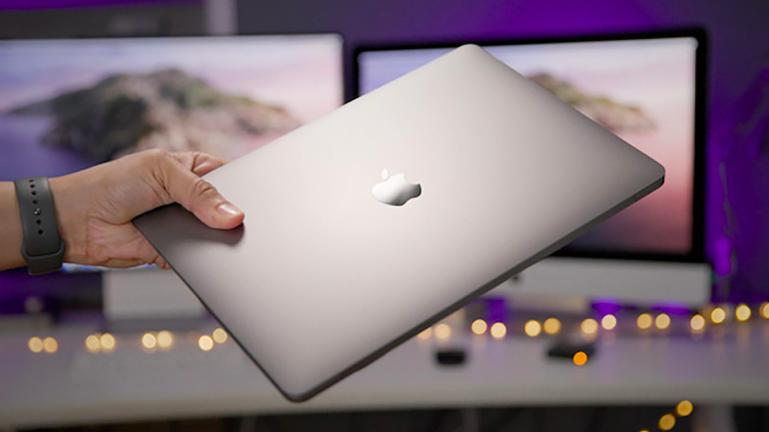 Foxconn - hãng chế tạo linh kiện điện tử, máy tính lớn nhất thế giới đang sản xuất Macbook, iPhone, iPad cho Apple - ảnh minh họa.
