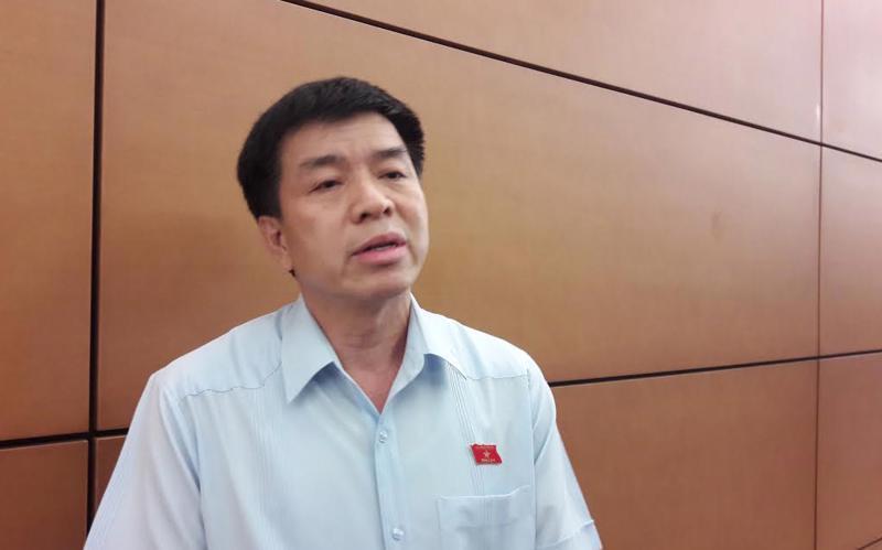 Thiếu tướng Lâm Quang Đại, Phó chính ủy Quân chủng Phòng không - Không quân.<br>