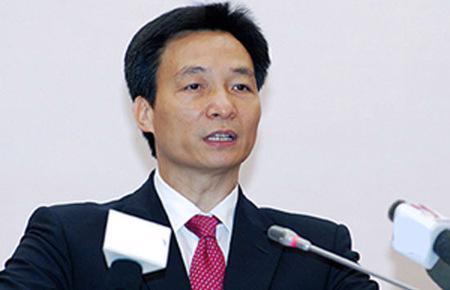 Bộ trưởng Vũ Đức Đam khẳng định sẽ không có chuyện dùng tiền thuế của dân để cứu doanh nghiệp.