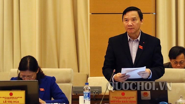 Chủ nhiệm Uỷ ban Pháp luật Nguyễn Khắc Định phát biểu tại phiên thảo luận.