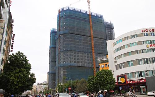 Central Field là tổ hợp trung tâm thương mại, văn phòng và chung cư cao cấp gồm 3 tòa tháp cao 29 tầng.