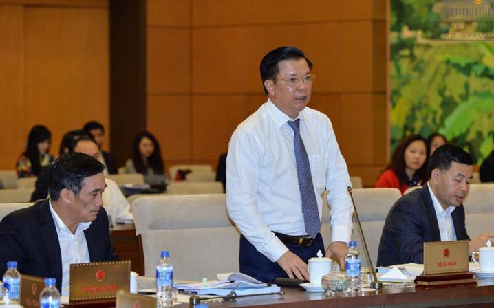 Bộ trưởng Bộ Tài chính Đinh Tiến Dũng khẳng đinh nợ công của Việt Nam tăng nhanh trước hết do điều hành.<br>