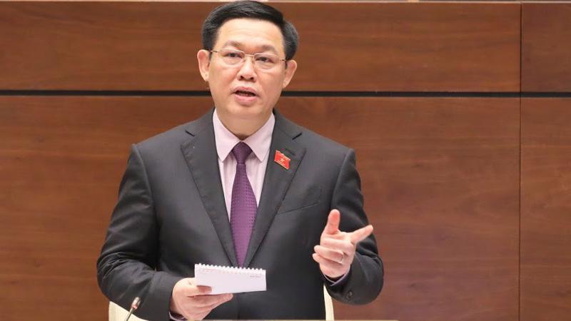 Phó thủ tướng trả lời chất vấn tại Quốc hội - Ảnh: Quang Phúc