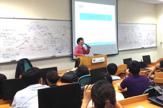 Hội thảo chuyên đề 2 – Đối thoại với chuyên gia về thị trường tài chính trong chương trình Mini MBA dành cho Nhà quản trị chuyên nghiệp do Viện Quản trị kinh doanh (FSB) – Đại học FPT tổ chức.