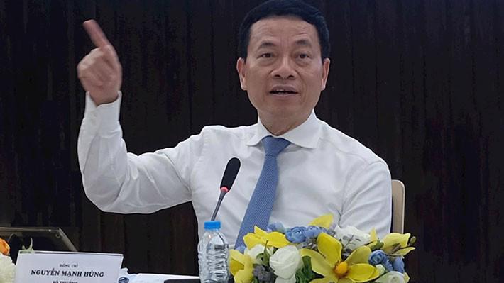 Bộ trưởng Nguyễn Mạnh Hùng tại buổi gặp gỡ với cộng đồng doanh nghiệp công nghệ thông tin phía Nam, chiều 15/7.