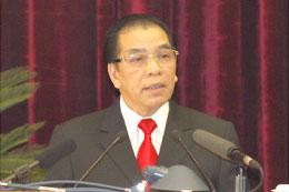 Tổng bí thư Nông Đức Mạnh phát biểu khai mạc Hội nghị.