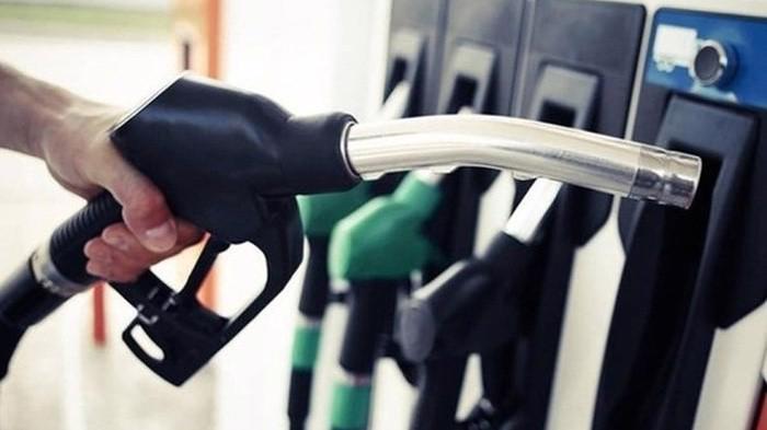 Ngành hải quan cũng yêu cầu các đơn vị thường xuyên theo dõi, kiểm tra, đôn đốc doanh nghiệp nhập khẩu xăng dầu nộp thuế đầy đủ vào ngân sách Nhà nước.