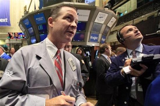 Chốt phiên giao dịch ngày 13/12, chỉ số công nghiệp Dow Jones giảm mạnh 74,73 điểm, tương ứng 0,56%, xuống 13.170,72 điểm <i>- Ảnh: AP.</i><br>