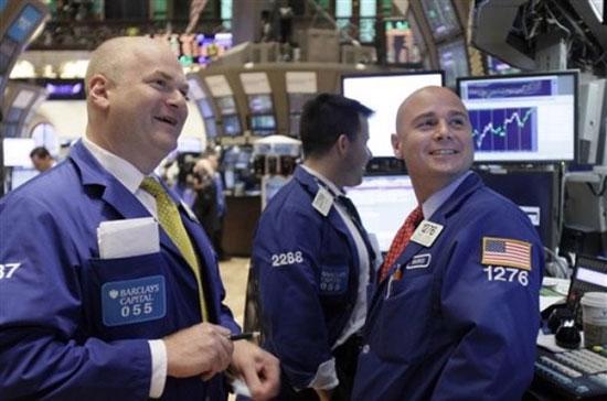 Phiên 29/6, đồng Euro đã tăng giá mạnh, vàng tăng vọt 50 USD, dầu thô tăng giá 9% trong khi chứng khoán Mỹ, châu Âu bật mạnh đầy ấn tượng - Ảnh: AP.