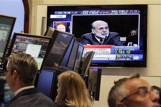 Tuy nhiên, phát biểu sau đó của ông Ben Bernanke về cái gọi là vực thẳm  ngân sách, đã khiến thị trường lo lắng <i>- Ảnh: AP</i>.