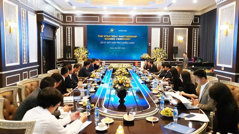 Sau cái bắt tay chiến lược giữa Sunshine Group và Samsung Vina, hai bên tin rằng mối quan hệ hợp tác giữa hai tập đoàn sẽ bước vào một thời kỳ mới, mang lại nhiều lợi ích hơn cho hệ sinh thái sản phẩm - dịch vụ của Sunshine Group.
