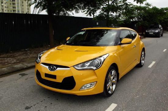 Hyundai Veloster tiêu tốn khoảng 6,1 lít xăng để di chuyển quãng đường dài 100 km - Ảnh: Bobi.