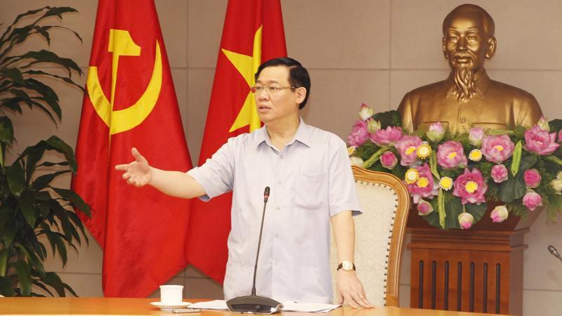 Phó thủ tướng Vương Đình Huệ khẳng định nguyên nhân là do chủ quan, do đó phải luân chuyển cán bộ đi, đừng để cán bộ ngồi lâu một chỗ.