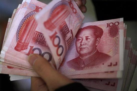 Tình trạng dùng tiền Nhân dân tệ tràn lan ở Lạng Sơn ngày càng trở nên phổ biến hơn - Ảnh: Reuters.