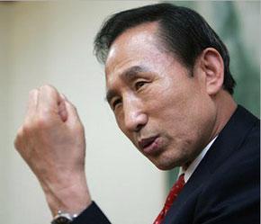 Mặc dù không giành được số phiếu quá bán nhưng ông Lee đã trở thành người có số phiếu bầu cao nhất kể từ khi Hàn Quốc áp dụng lại cơ chế bầu cử trực tiếp vào năm 1987.