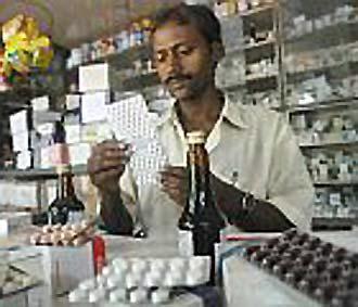 Tại một số nước ở châu Phi, châu Á và Mỹ Latinh, tới 30% lượng thuốc bán ra là thuốc giả.