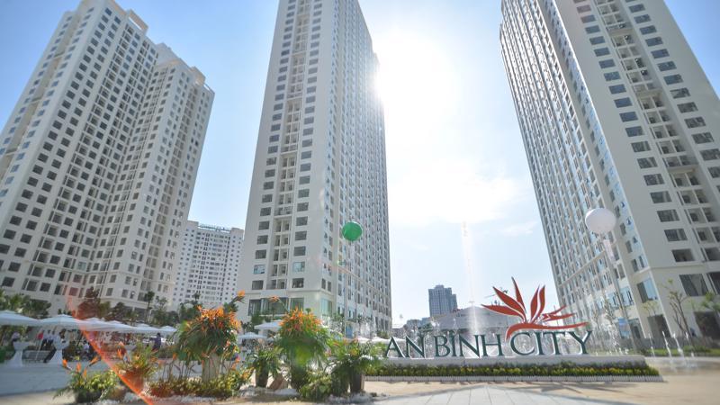 Tổng thể chung cư An Bình City có quy mô 4,4 ha, gồm 8 tòa nhà cao từ 28 đến 35 tầng, cung cấp ra thị trường khoảng 2.800 căn hộ chất lượng cao.